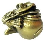 Трехлапая жаба с горшочком монет