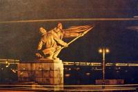 скульптура, мост, фонарь, флаг